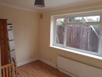 3 BEDROOM GROUND FLOOR FLAT -£1550