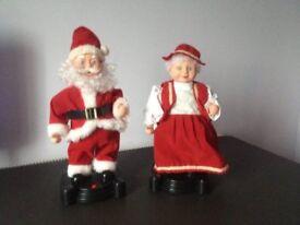 Xmas / Christmas Large Singing / Dancing Santa and Mrs Santa Infrared like new batteries included