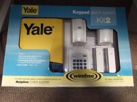 Yale Wirefree Keypad Alarm System HSA3400 Kit 2