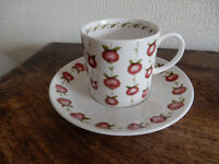 """Susie Cooper Bone China Coffee Can - """"Apple Gay"""""""