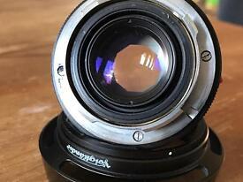 Voigtlander CV 40mm nokton classic with LH-6 hood Leica m-mount