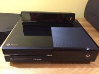 Xbox One 500GB with Kinnect, 2 controllers and two games!