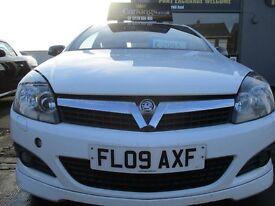 VAUXHALL ASTRA 1.6 i 16v SXi Sport Hatch 3dr (white) 2009