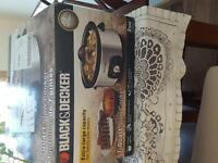Brand New 7qt Black & Decker Slow Cooker