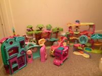 Bundle of littlest pet shop accessories