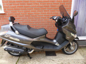 Piaggio Xevo 400 2009 model, two keys, Mot 11/7/18, one owner, 18,750 miles, vgc, only £1595
