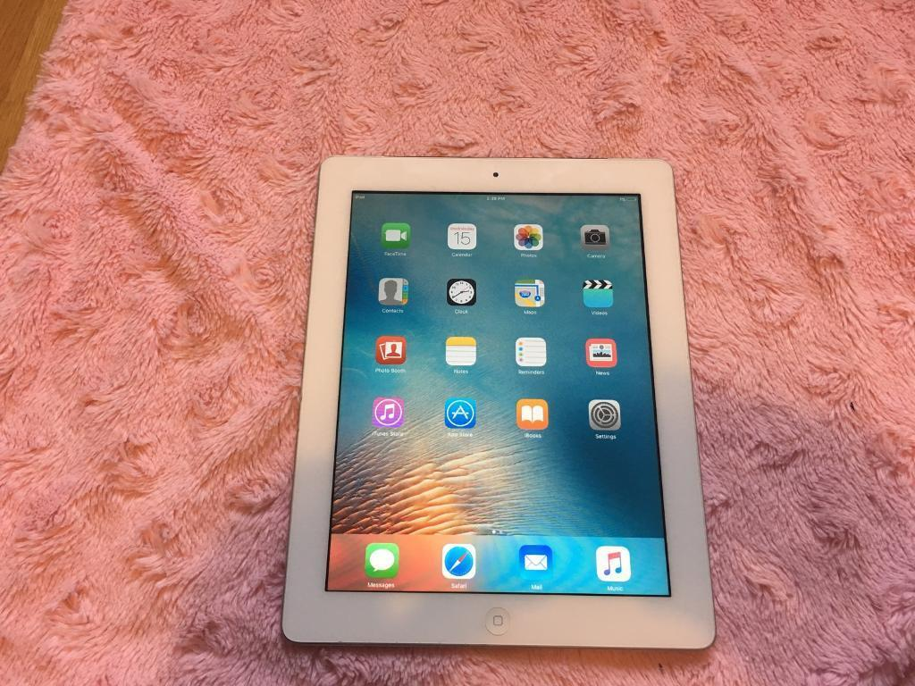 iPad 2nd gen 64GB in White WiFi version