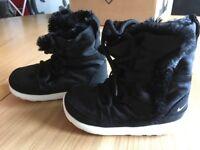 Toddler girl Nike winter boot/trainer
