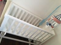 Like new crib, girls clothes &baby bath £60
