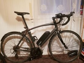 Good quality Specialized bike with 8fun motor used just one season