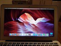 Macbook Air 11 inch/1.4 GHz/4GB/128GB Flash Storage