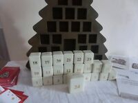 Goebel Hummel - Original Advent (Christmas) Calender Tree 2001 - Complete set