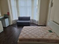 FULLY FURNISHED GROUND FLOOR STUDIO FLAT, HOLYHEAD ROAD, HANDSWORTH, DSS ACCEPTED