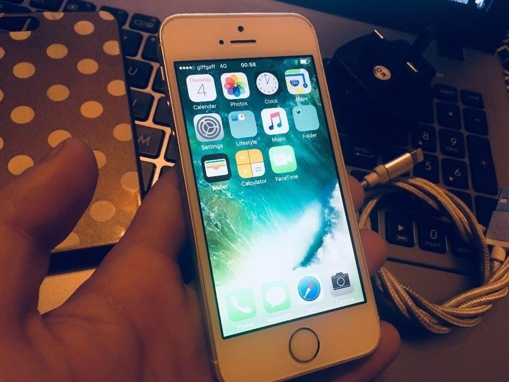 iPhone 5S 16 GB Silver Neverlocked