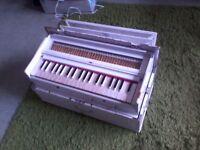 Harmonium, portable, 39 keys