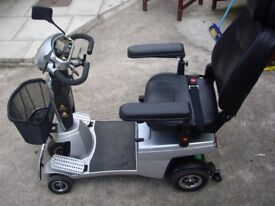 FOR SALE!!! QUINGO VITESS MOBILITY SCOOTER £450!!
