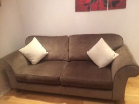 A lovely 3 seater comfy sofa great condition.