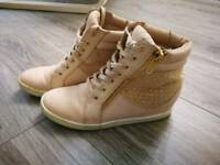 Sneakers girls shoes size 2