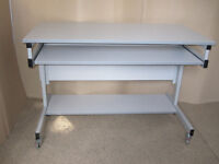 Desk Adjustable to 4 Different Heights