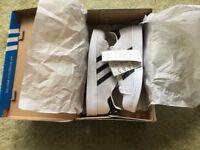 Adidas Originals Superstar J trainers BZ0352. Brand new in box. White/Black. Unisex. UK Size 4
