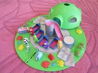 *** RARE TELETUBBIES 1996 HOME HOUSE DOME PLAYSET 4 TUBBY FIGURES £40 *** 07739 329 389