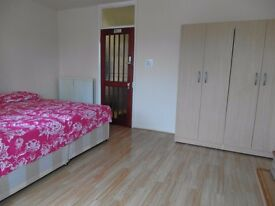 Lovely Double room, ALL BILLS INCLUDED!!