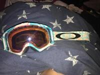 Oakley skiing goggles