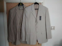 2 Men's linen suits (both new)
