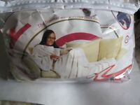 UNISEX ADULT SNUG RUG - POLAR FLEECE - THE BLANKET WITH SLEEVES - NEW