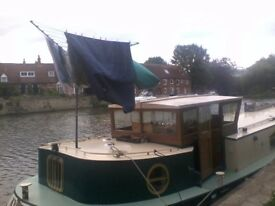 4 berth Dutch barge