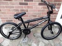 fuse bmx bike colour black 20inch wheels