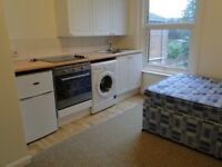 FIRST FLOOR FURNISHED STUDIO FLAT IN SHIRLEY SOUTHAMPTON