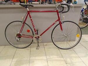 Vélo de route Fuji 63cm
