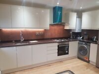 Lovely 1 one bed room Flat to rent. Main Greenford Broadway. DSS applicants with guarantor.£1300 pm
