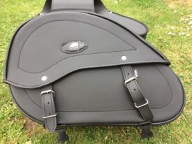 AQUA SYNTHETIC PU LEATHER PAIR OF MOTORCYCLE PANNIERS - BLACK - USED
