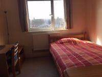 Nice double room available in Roehampton