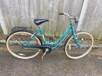 Universal La Riviera Ladies Town Bike. Very good condition. Free Lock, Lights, Delivery