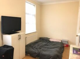 Newly Decorated Lovely Studio Flat