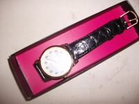 NICE WIDE CLEAR FACE ON WATCH ONLY £8,