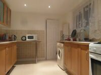 DOUBLE Bed Room to Rent Near Hammersmith, Shepherds Bush, Acton , Chiswick. £162/ week.( ZONE 2)