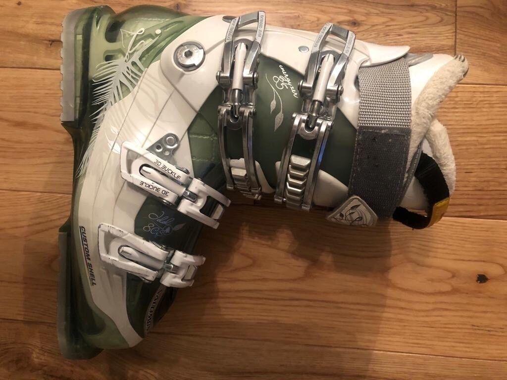 5bda0b88f668 Ladies Salomon custom shell ski boot size 6 UK