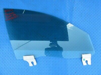 Maserati Ghibli Quattroporte front right door window glass #8223
