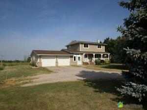 $479,900 - Acreage / Hobby Farm / Ranch for sale in Lucan