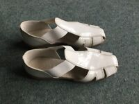 Marks and Spencer footglove shoes size 3.5