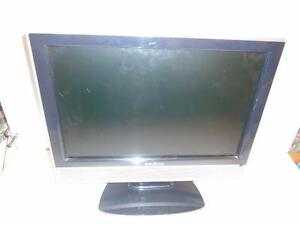 "INSIGNIA 19"" LCD WIDE FLAT SCREEN TELEVISION"