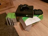 Xbox 360 slim 250gb with 2 control pads + 9 games