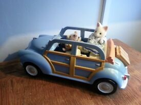 Sylvanian Family Blue Car with Suitcase and child seats