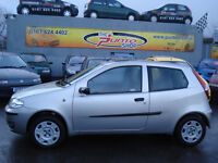 FIAT PUNTO SOLE / 1200cc / SPECIAL EDITION / 2 FORMER KEEPERS / 2005 / FULL MOT / WITH WARRANTY