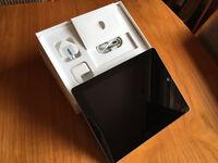Apple iPad 4 - 16GB - Black - Plus Accessories