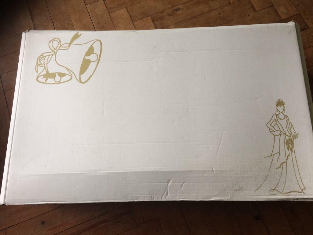 Wedding dress boxin Bournemouth, DorsetGumtree - Wedding dress box. Medium size but held my puffy size 16 wedding dress. The outer box is a little marked but no tears or holes. Inside in good condition